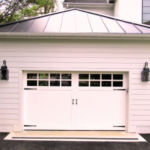 12x7 RT11 S Detroit VG small decohardware top garage